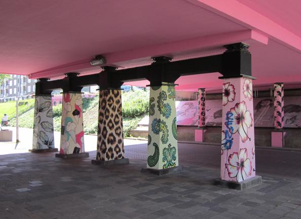 20121006 vijf kleurijke pilaren